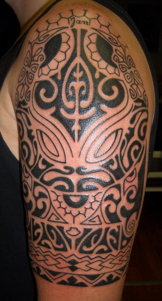 Tiki Der Tattoo Style Von Dwayne The Rock Johnson Das Tattoo